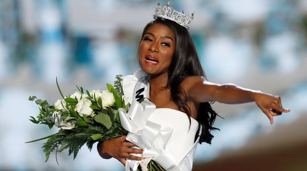 «Жирные победили»: «Мисс Америка-2019» - конец красивых женщин, считает Лена Миро