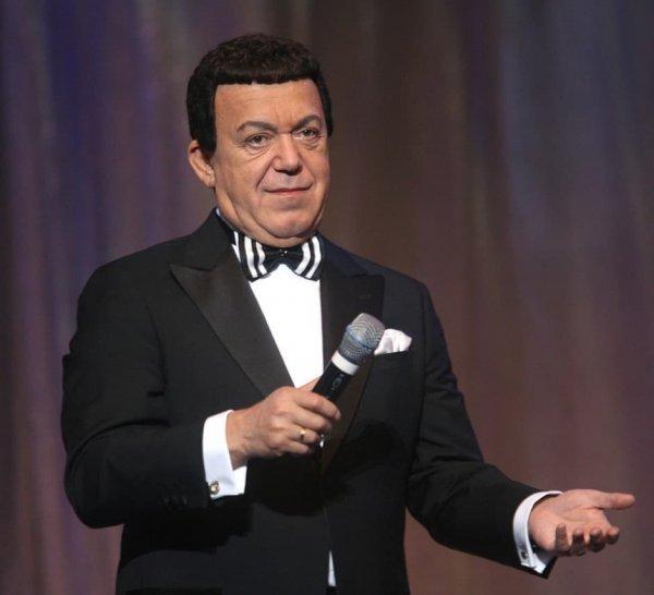 Звёзды российского шоубиза почтили память Кобзона в его день рождения