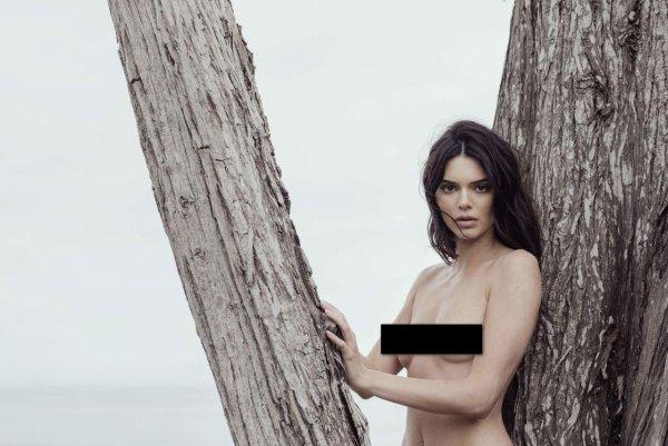 Строго 18+: В сеть слили полностью голые фото Кендалл Дженнер