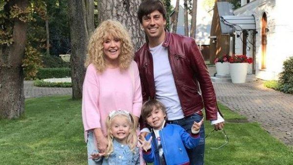 Измены Галкина не дают Пугачёвой с детьми выехать за границу