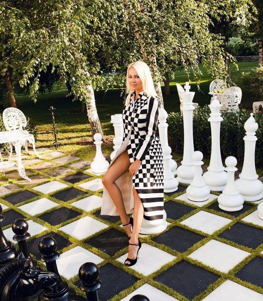 В честь годовщины Рудковская опубликовала свадебное фото с Плющенко
