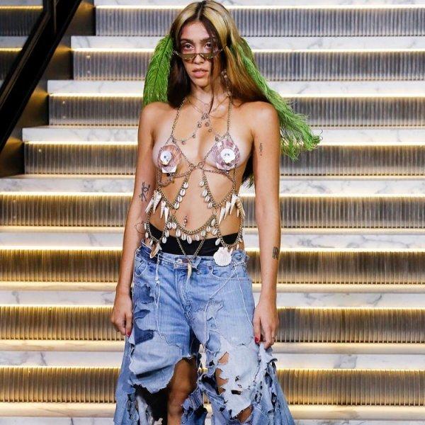 Дочь Мадонны дебютировала на показе моды в Нью-Йорке