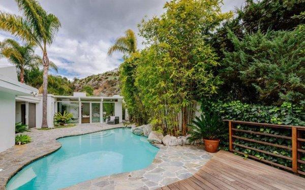 Тейлор Свифт продаёт дом в Беверли-Хиллз за 2,7 миллиона долларов