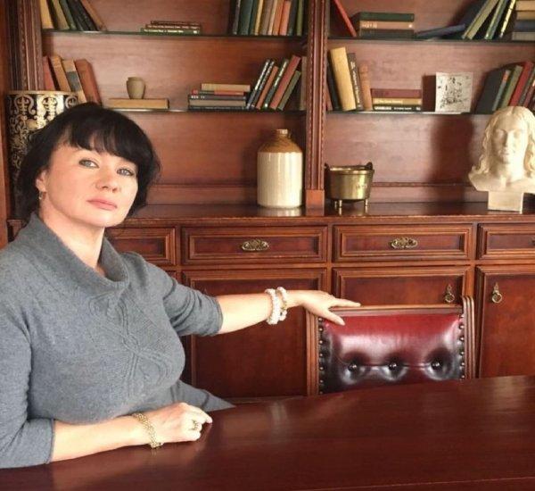 На «Пусть говорят» звездную разоблачительницу Мазур обвинили в соучастии в убийствах