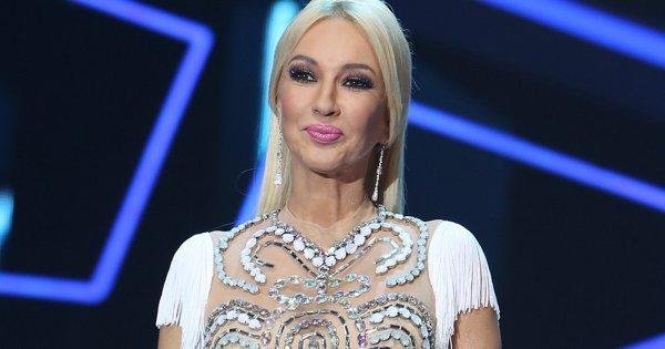 Фанаты не верят словам Кудрявцевой о самостоятельных родах