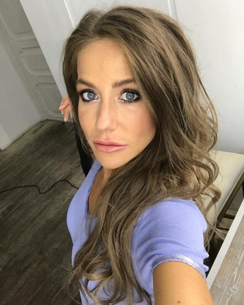 Юлия Барановская шокировала подписчиков фотографией без макияжа