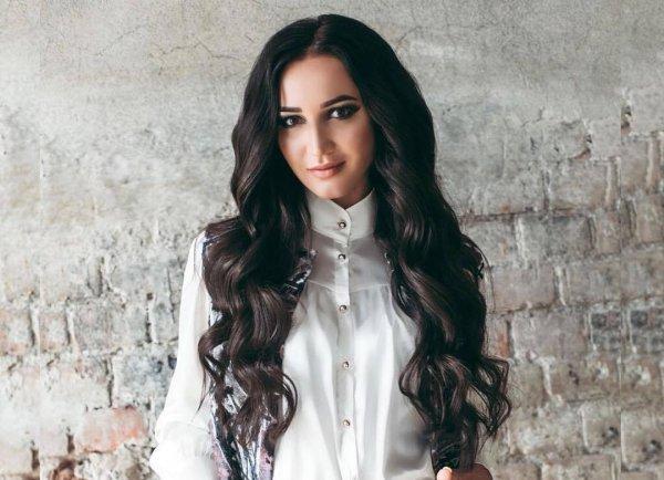 Окрыленная любовью Бузова радовалась жизни и танцевала в Ереване