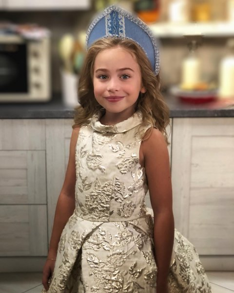 Дочь Тутты Ларсен назвали копией звезды «Игры престолов» Эмилии Кларк