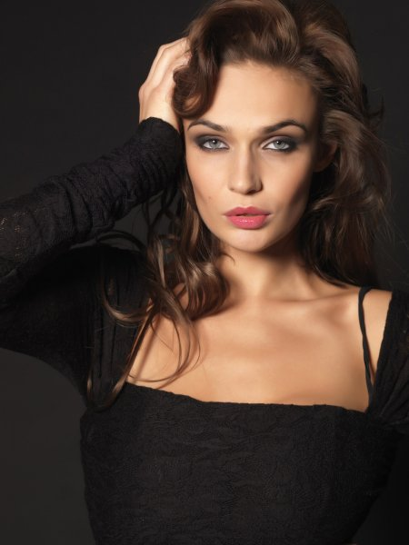 Алена Водонаева рассказала, как муж красит ей волосы