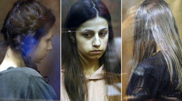 Мать сестер-убийц Хачатурян попросила у них прощения
