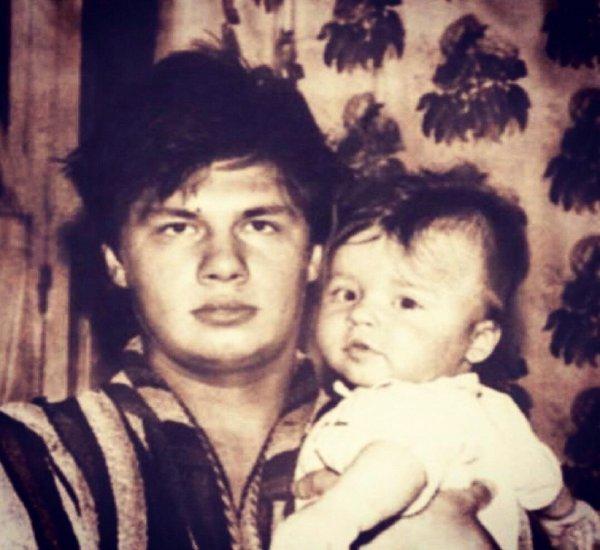«Идеальный свекор, дедушка и отец»: Кристина Асмус сообщила о смерти отца Гарика Харламова