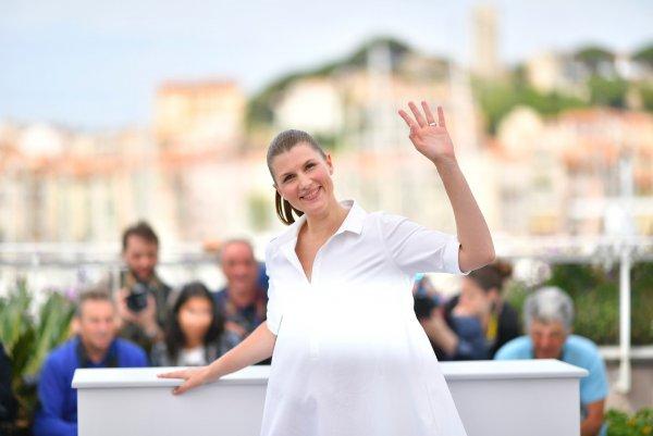 Звезда фильма «Нелюбовь» Марьяна Спивак показала большой живот
