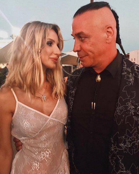 «Точно не его»: В соцсетях уверены, что дочь Лободы не от солиста Rammstein