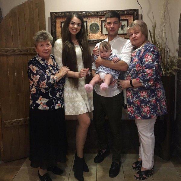 Не прошло и полгода: Мама Дмитренко впервые увидела внучку Василису