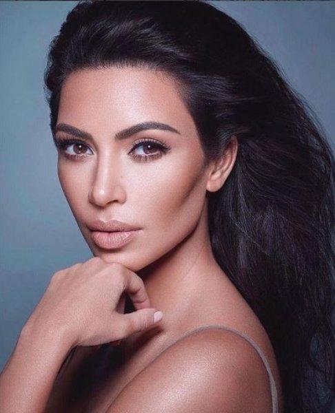 Необычный образ Ким Кардашьян превратил звезду в двойника Дрю Бэрримор