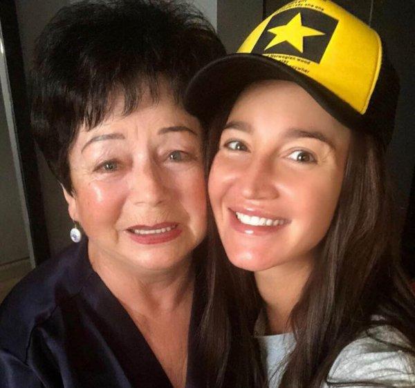 «Бабушка выглядит лучше мамы»: Фанаты раскритиковали внешность матери Ольги Бузовой