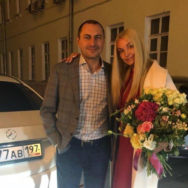 Фанаты советуют Волочковой вернуться к бывшему мужу