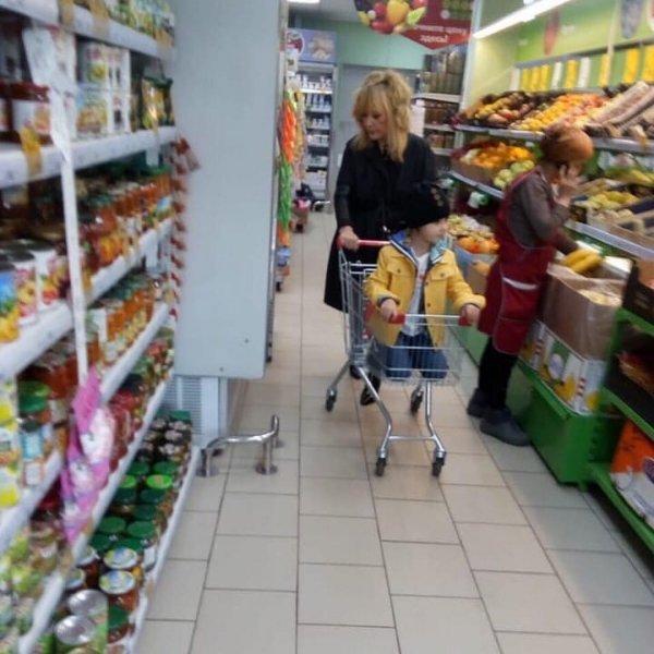 «Плевать на правила»: Пугачёва возмутила фанатов хамским поведением в магазине