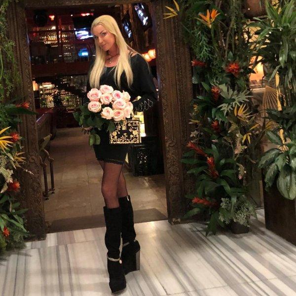 Лицемерная Волочкова публично заявила, что не кичится богатством и опозорилась