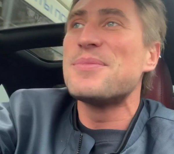 «Всё равно без голоса»: Бузовой предлагают создать дуэт с Лебедевым
