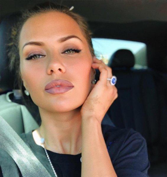 Викторию Боню без макияжа и фотошопа показал ее фанат