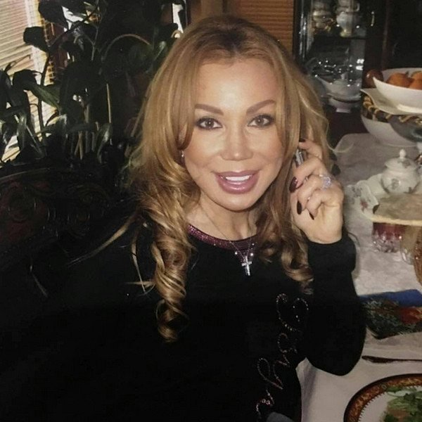 Маша Распутина пожаловалась на мужа, кинувшего в нее телефоном