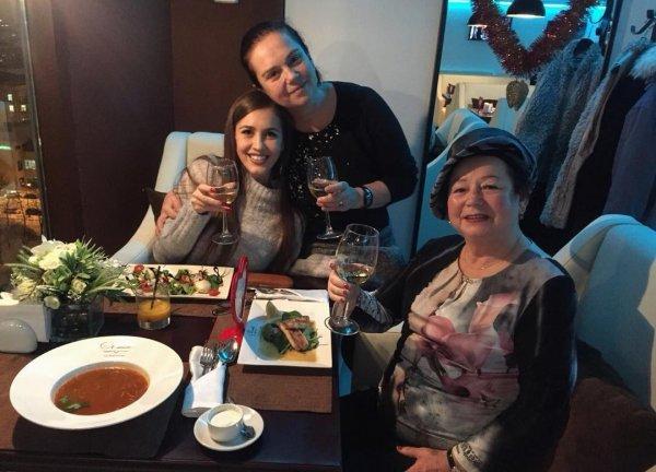 «Старость в радость»: Сестра Ольги Бузовой приняла участие в оригинальном флешмобе – сеть
