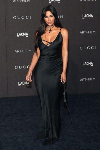 «Черная вдова!»: Ким Кардашьян в траурном наряде стала звездой Gucci – сеть