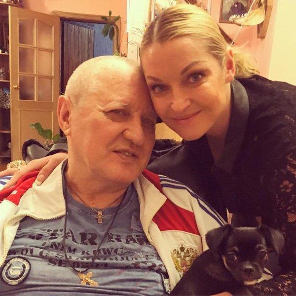 «Хочу помогаю, хочу нет»: Волочкова отдала отца в руки людям, которые избивали его