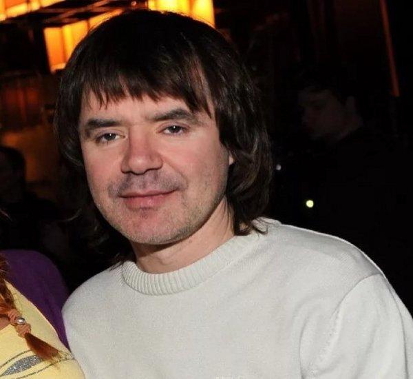 Исполнитель хита «Плачет девочка в автомате» Евгений Осин скончался в 54 года