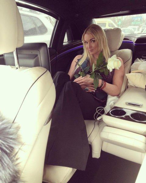 «Те же грабли»: Новым любовником Волочковой оказался ее водитель, выяснили фанаты