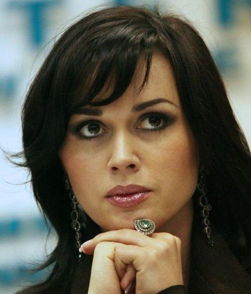 Анастасия Заворотнюк рассказала о жизни «вразброс» со своей семьей