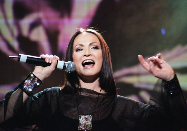Директор Софии Ротару объяснил отмену выступлений певицы в России
