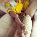 Любовника мало: Волочкова приласкала ноги подруг