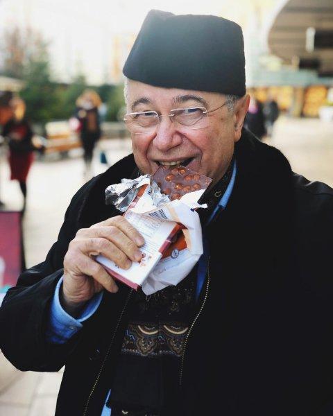 Желтозубому Петросяну посоветовали отказаться от шоколада