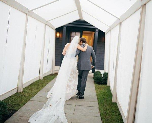 Гвинет Пэлтроу показала новые романтические кадры со своей свадьбы