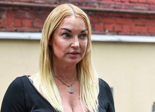 Живодерня ради забавы: Волочкова одобряет издевательства над животными в цирке