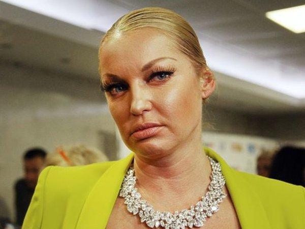 Пьяненькие пуанты: Волочкова приходит на выступления под шофе