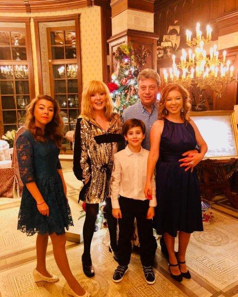 «Уехал к любовнице»: Галкин сбежал от Пугачёвой в Новый год - Фанаты