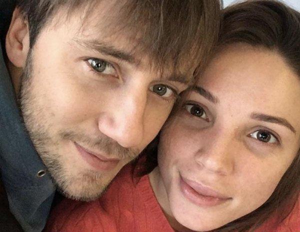 Бывшая девушка актера Ивана Жидкова подозревает его в краже денег