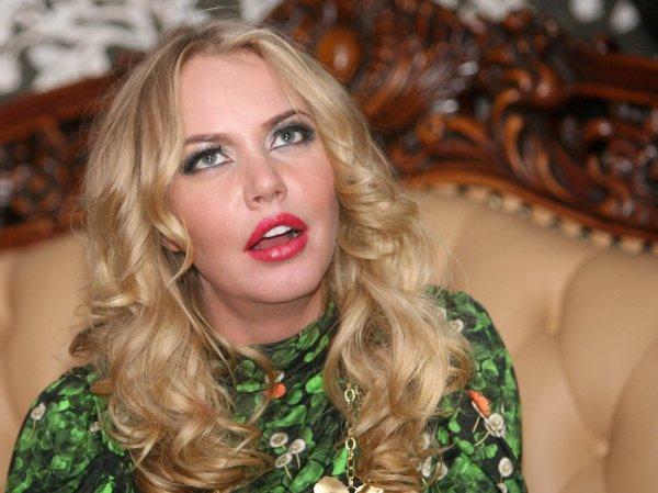 Опозорила коллегу: Малиновская поздравила Малахова с днем рождения неуместным фото