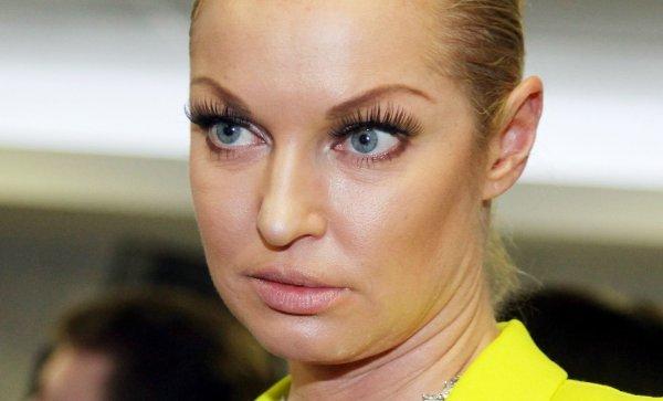«Сама главная злыдня!»: Хейтеры высмеяли снимок Волочковой в трусах