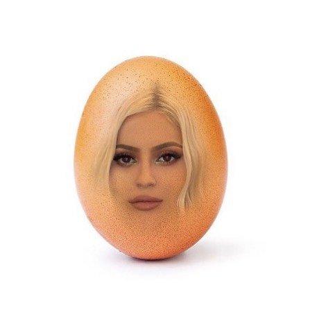 «Потерянное яичко»: Дмитрий Маликов хочет 70 миллионов за два яйца
