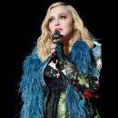 Папарацци засняли «резиновое» лицо Мадонны после неудачной пластики