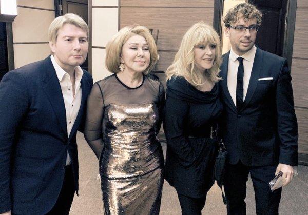 «Басков сдал»: Влюбленный в Лободу Галкин затащил Пугачеву на ее концерт – Сеть