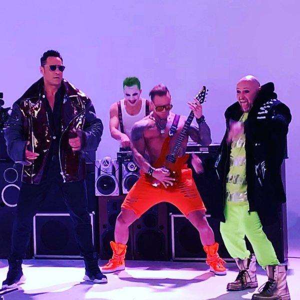 «Гуляй, рванина»: Шура и Костюшкин опозорились убогим клипом и песней – Соцсети