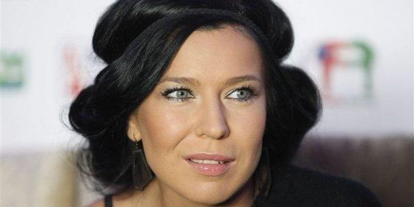 Бузова даже не в ТОП-5: Певица «Ёлка» стала самой популярной исполнительницей