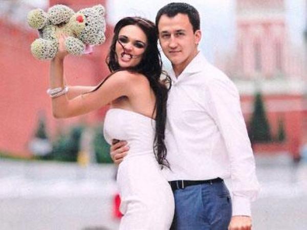 Скорострел: Алена Водонаева опозорила мужа на всю страну