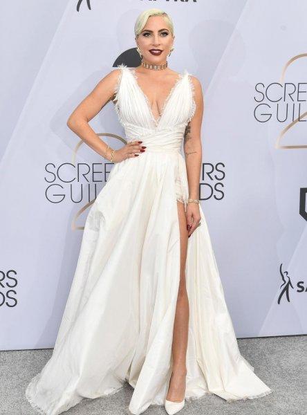 Звёзды приобщаются к «second hand»? Леди Гага удивила выбором наряда