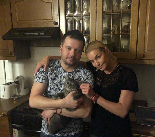 «Чё-то бедненько живет»: Экс-любовник Волочковой мог вернуться ради денег